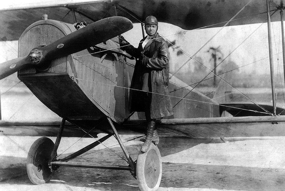Bessie Coleman and her plane 1922