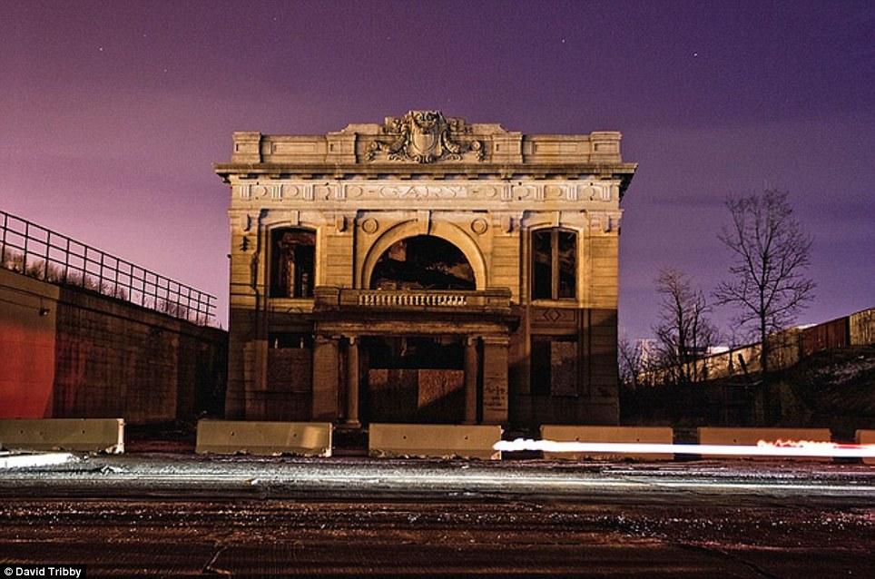 Gary-Indiana-Ruins-pic01