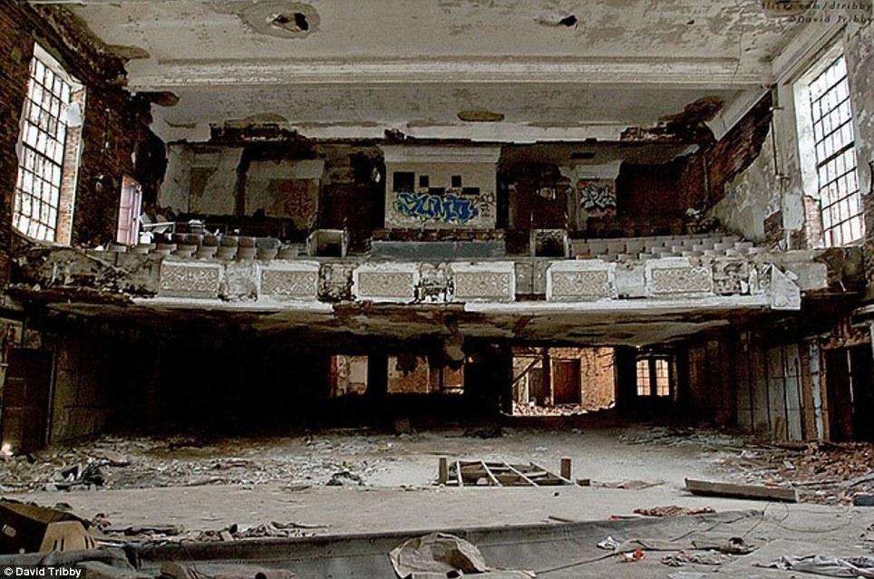 Gary-Indiana-Ruins-pic06