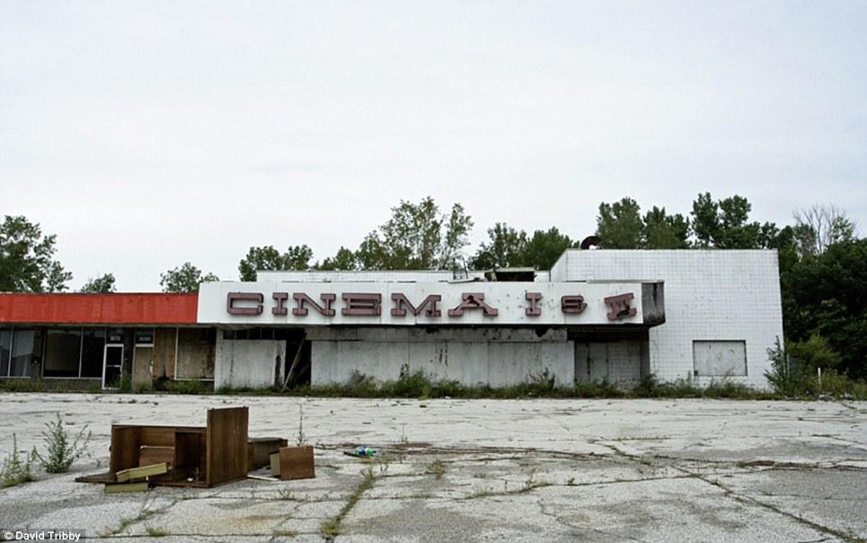 Gary-Indiana-Ruins-pic08