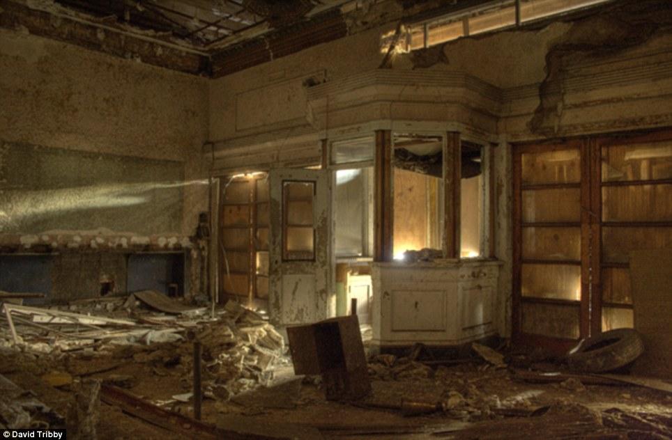 Gary-Indiana-Ruins-pic10