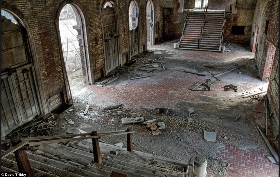 Gary-Indiana-Ruins-pic15